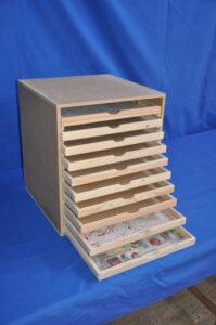 Archivador de papel en madera