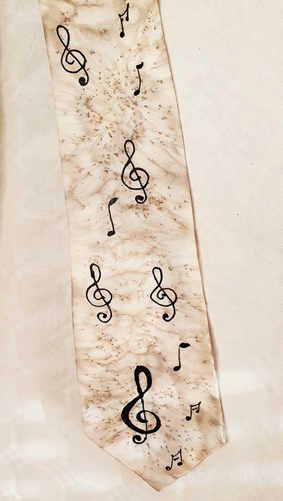 corbata de seda caballero color blanco clave de sol