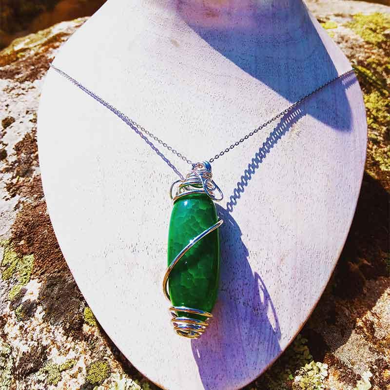 joyas con piedras naturales, colgantes para mujer, complementos para señora, moda