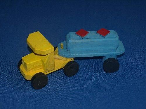 juguetes de madera, tren, niños