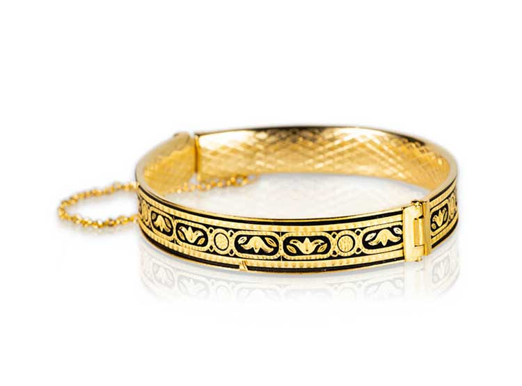 colgantes de mujer en oro, damasquinado, complementos de señora, moda, fashion