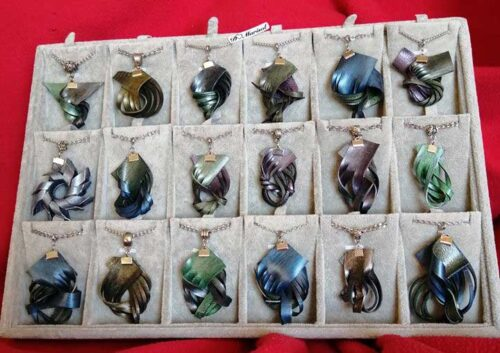 joyas de caucho reciclado, pendientes, collares, pulseras, complementos para mujer