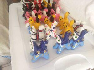 artesanía en cerámica, muñecos de decoracion