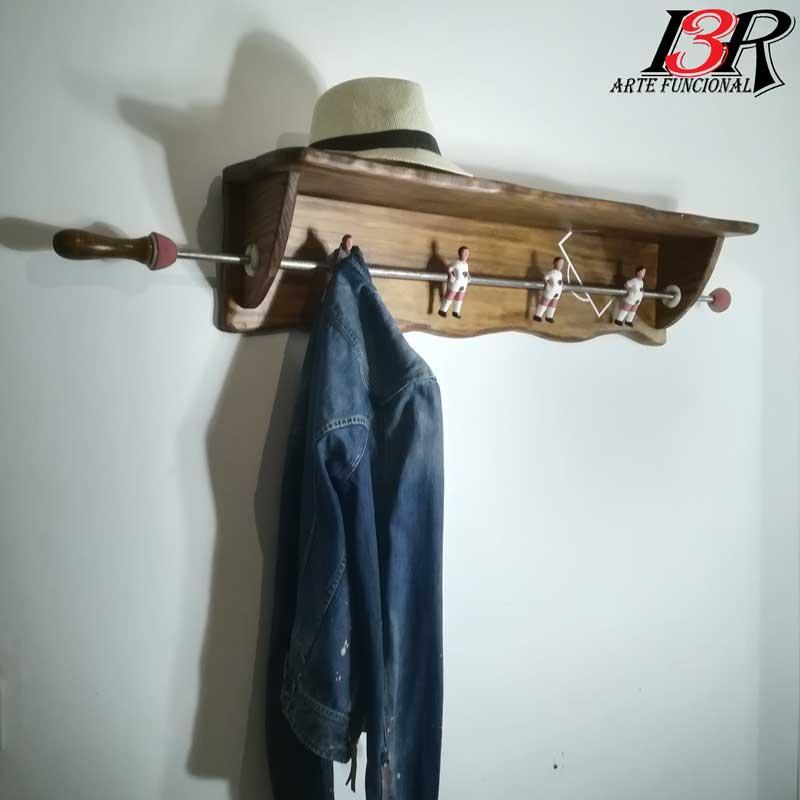 perchero sombrerero de madera, reciclaje, upcyling