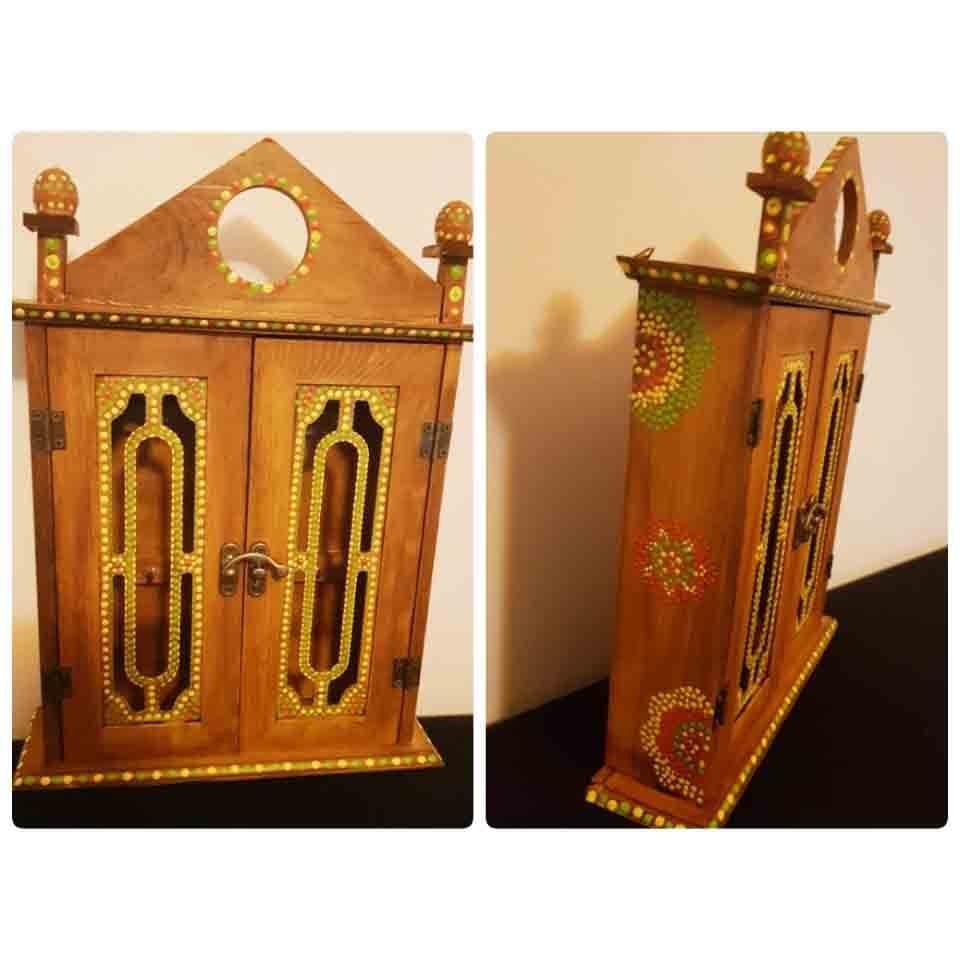 relicario de madera, decoracion, religion