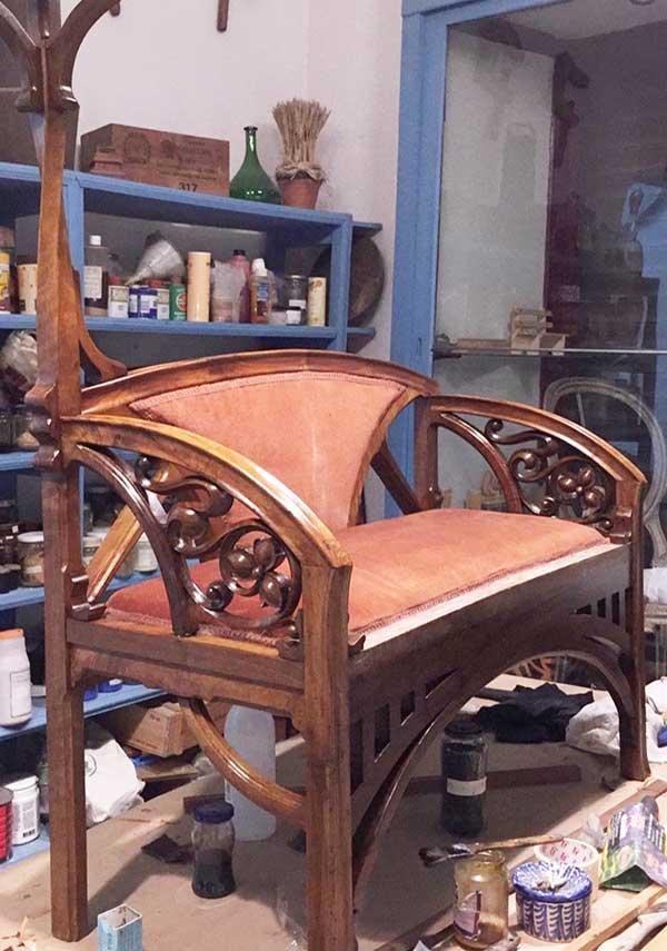 mantenimiento y arreglo de muebles de madera, artesania